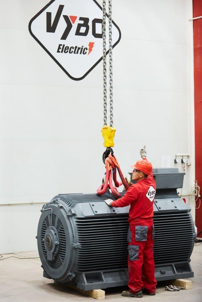 nízkonapäťový elektromotor